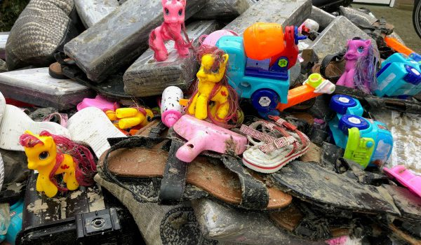 Strandjutten op Terschelling – speelgoed 2 januari 2019 – Hallo Terschelling